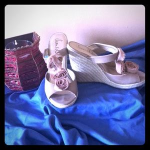 Sam &Libby Sandals Great for Summer! Neutral Color